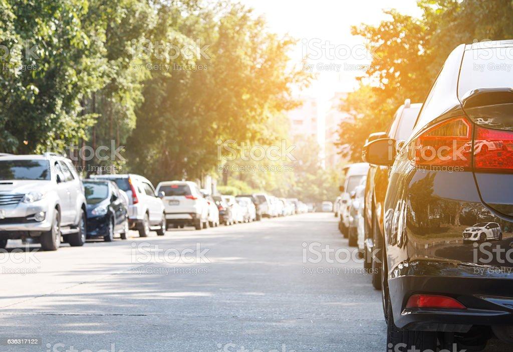 Black car parking in line outdoor – Foto