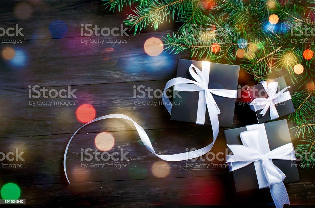 Photo Libre De Droit De Boîte De Cadeau De Noël Noir Et
