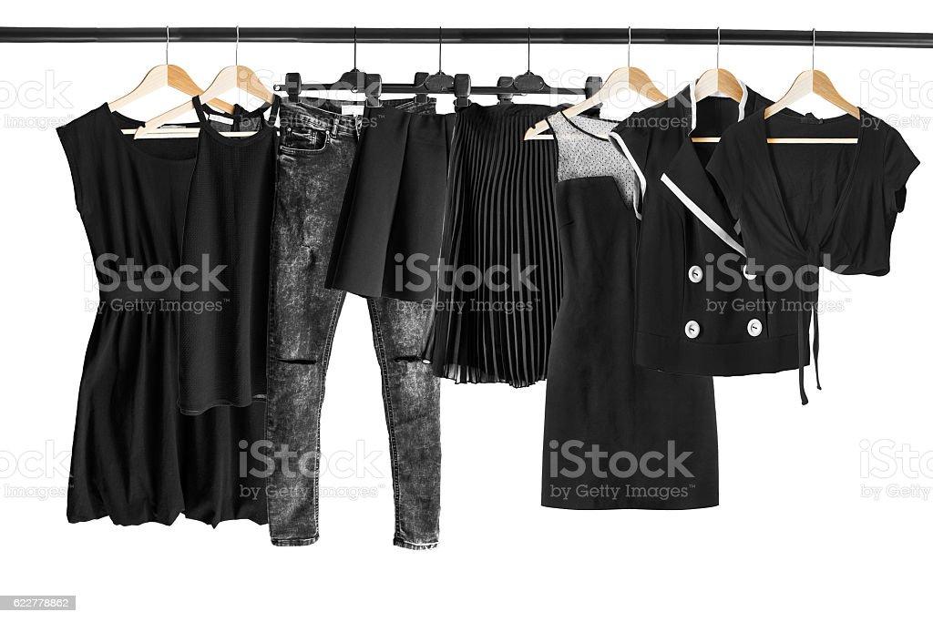 Black clothes on clothes rack - foto de stock