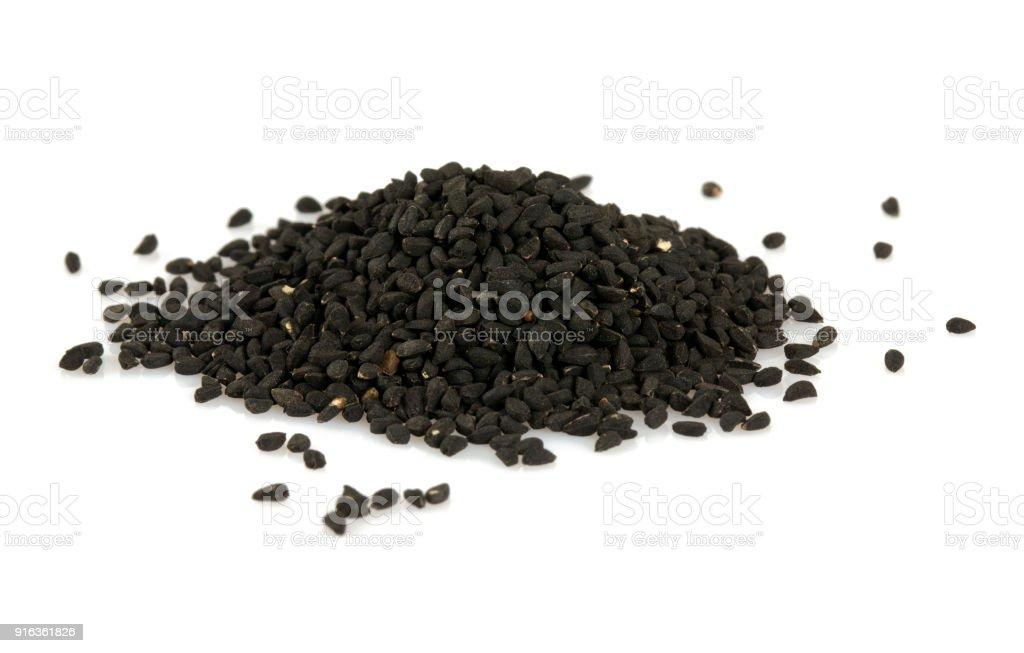 Schwarzkümmel isoliert auf weißem Hintergrund – Foto