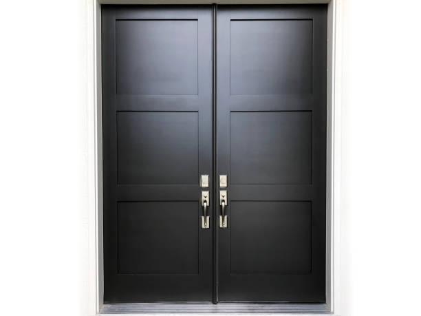 schwarze doppeltür - immobilienangebote stock-fotos und bilder