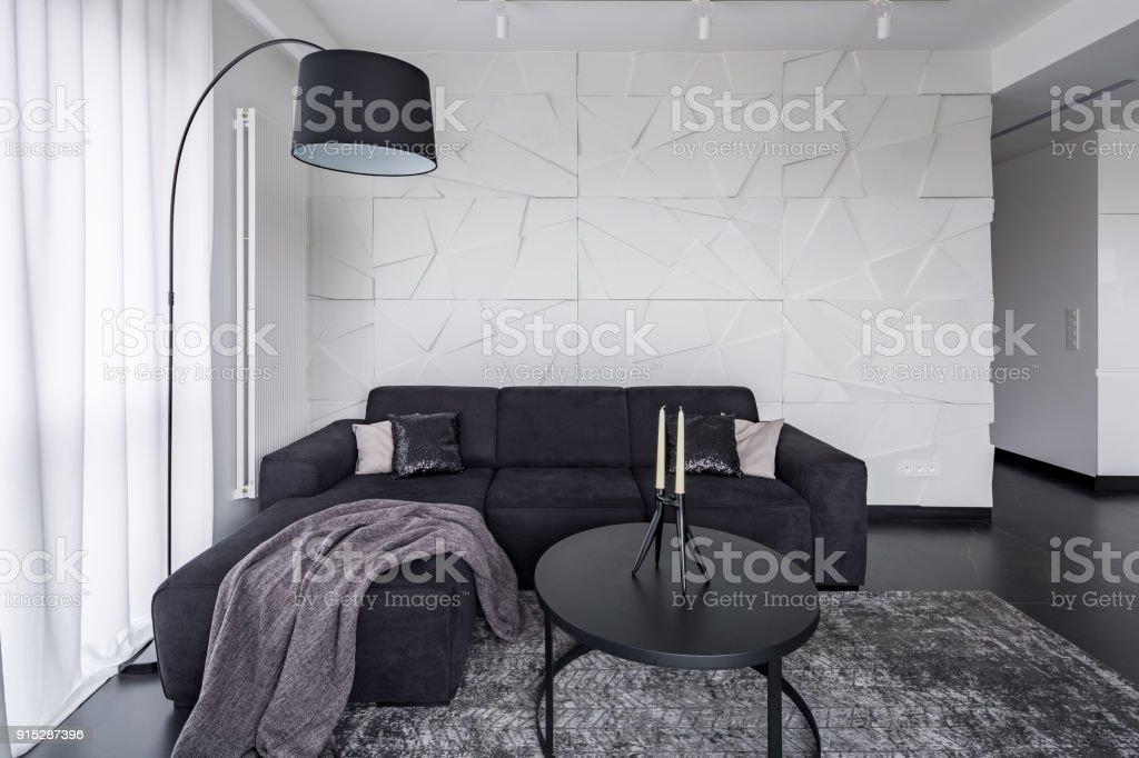 Schwarze Mobel In Modernen Wohnung Stock Fotografie Und Mehr Bilder
