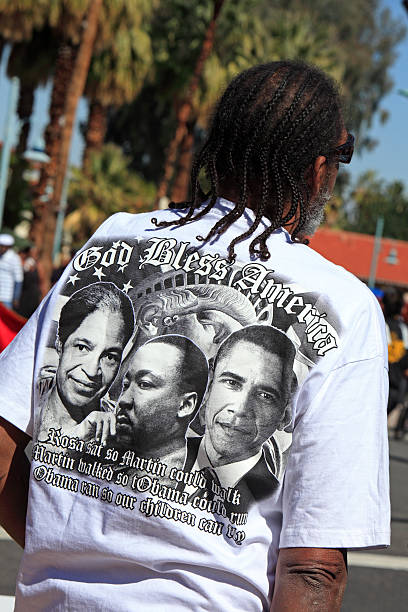 mes de historia negra t camisa en el desfile - martin luther king jr day fotografías e imágenes de stock
