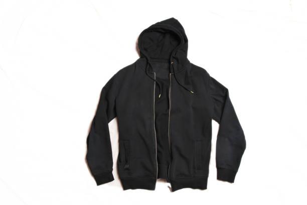 schwarzer hoodie isoliert auf weißem hintergrund. frontansicht von men es zippered pullover hoodies. reißverschluss fleece sweatshirt. volle zip-jumper mit hood. top warm hoody. lange schläger-kleidung - strickmantel stock-fotos und bilder
