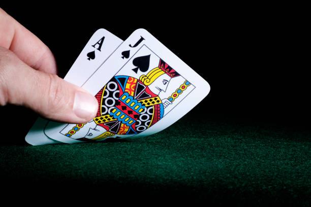 black jack och tjugoett las vegas gambling kort perfekt hand - black jack bildbanksfoton och bilder