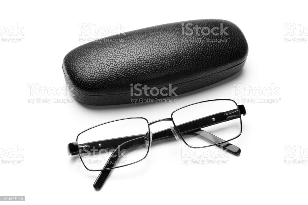 Brillenetui mit schwarzem Kunstleder und Brillen in feinen Metallrahmen – Foto