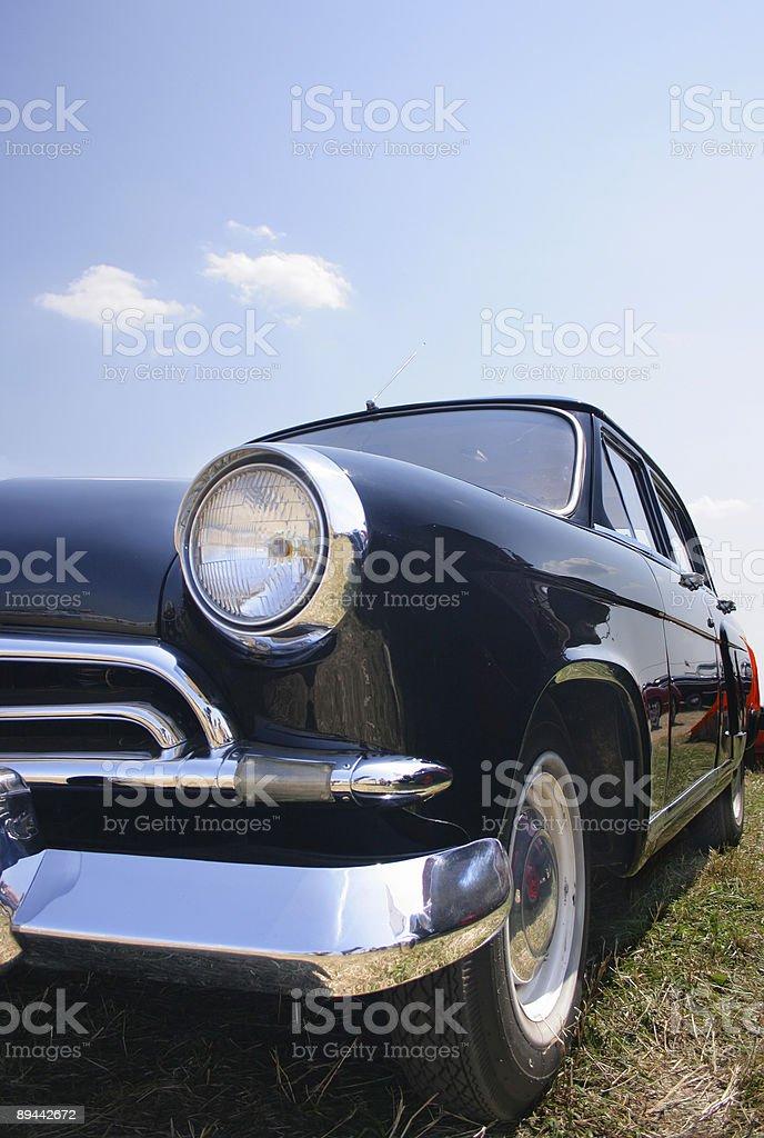 Negro coche viejo la década de 1950 foto de stock libre de derechos