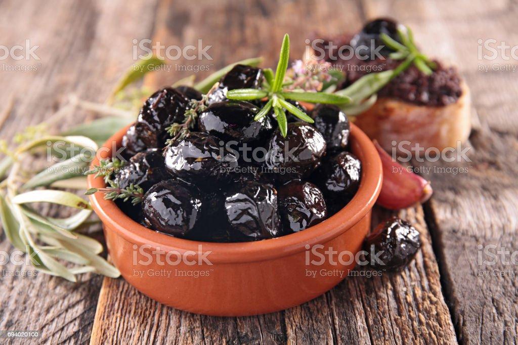 zwarte olijven foto