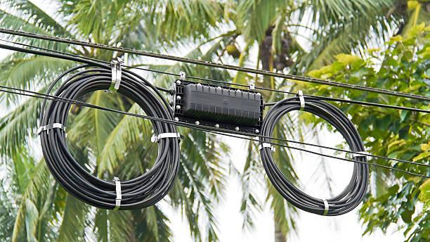 schwarze faser kabel - spleißen stock-fotos und bilder
