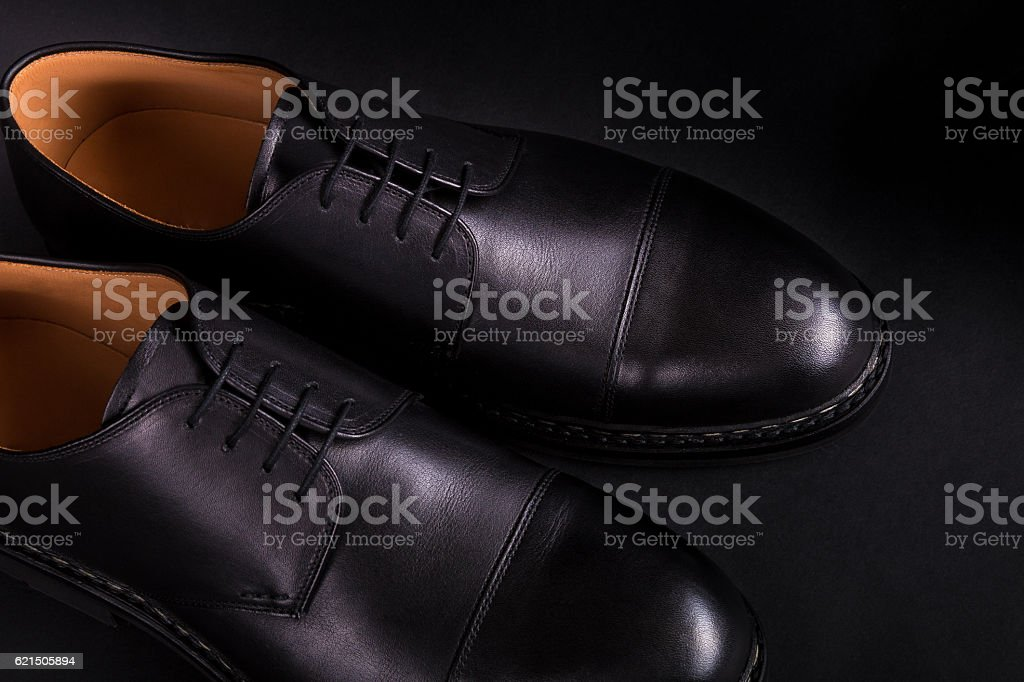 Black oxford shoes on  background. Back view. Close up. foto stock royalty-free