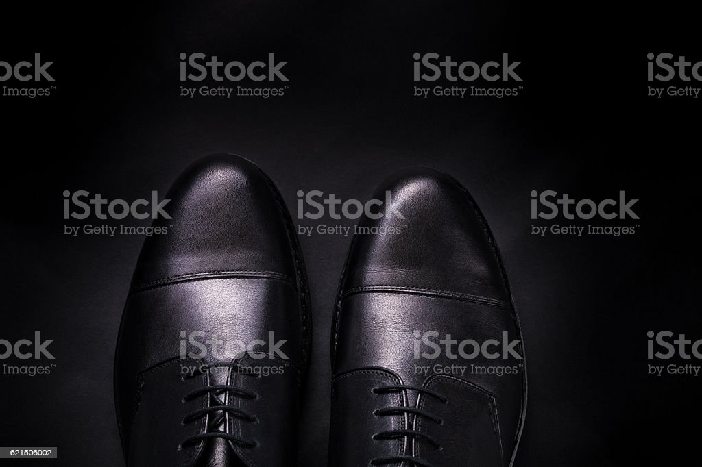Black oxford shoes on  background. Top view. Copy space. foto stock royalty-free
