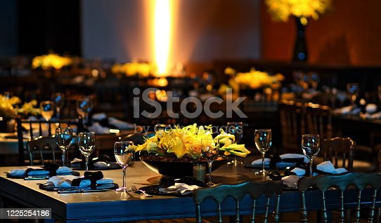 sophisticated black, yellow and gold themed wedding party