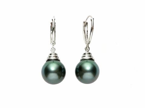 Black pearl gold earings.See more