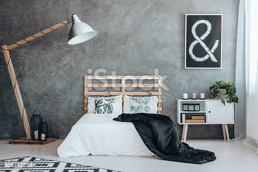 istock Black picture with white sign 826712238
