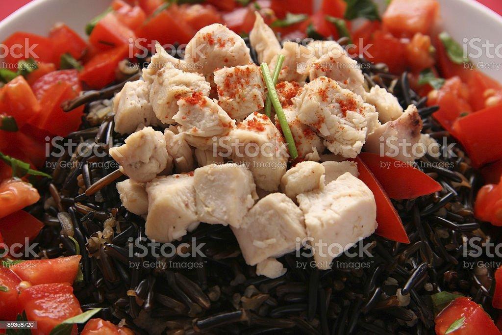 Czarny ryż i kurczak. zbiór zdjęć royalty-free