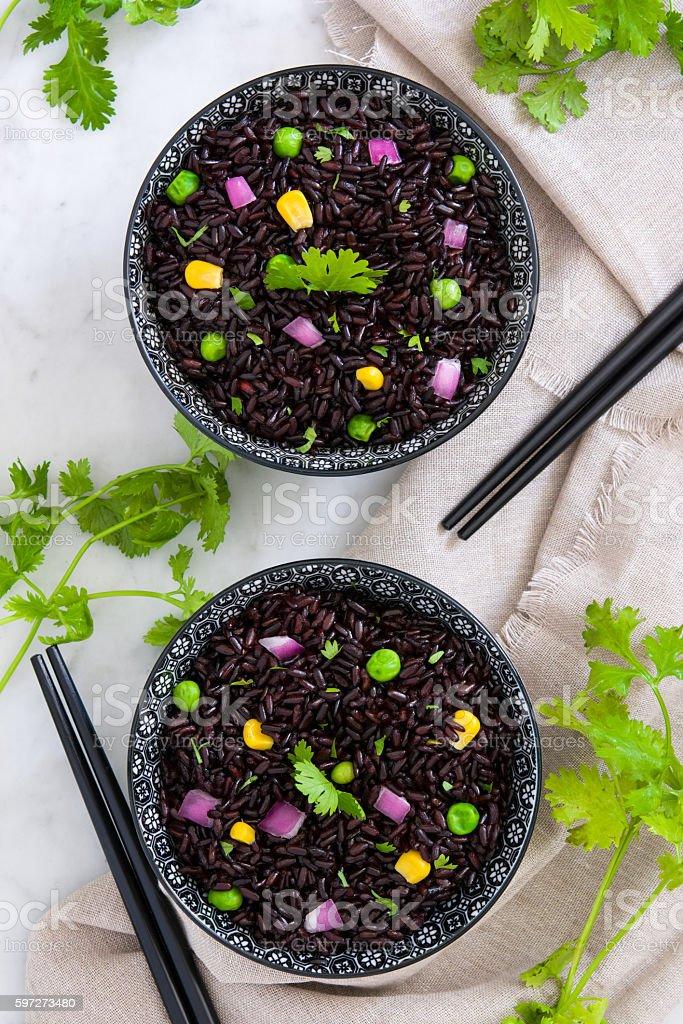 Black rice and vegetables Lizenzfreies stock-foto