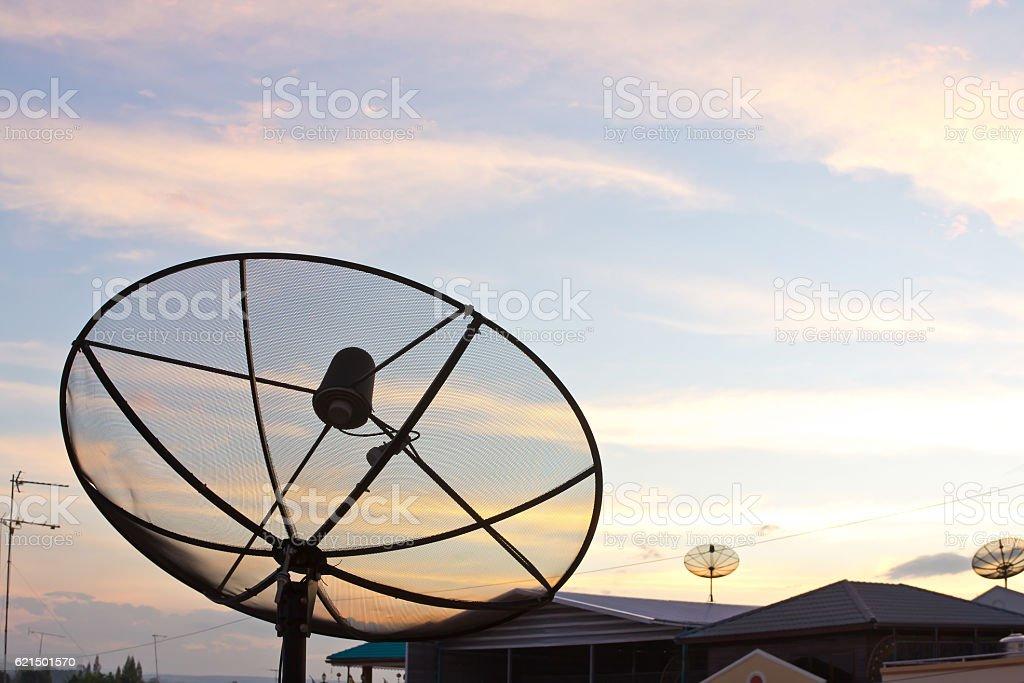 Noir Antenne satellite photo libre de droits
