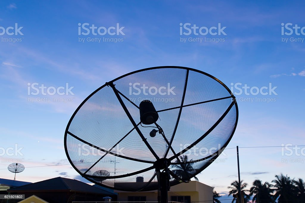 Nero piatto satellite foto stock royalty-free