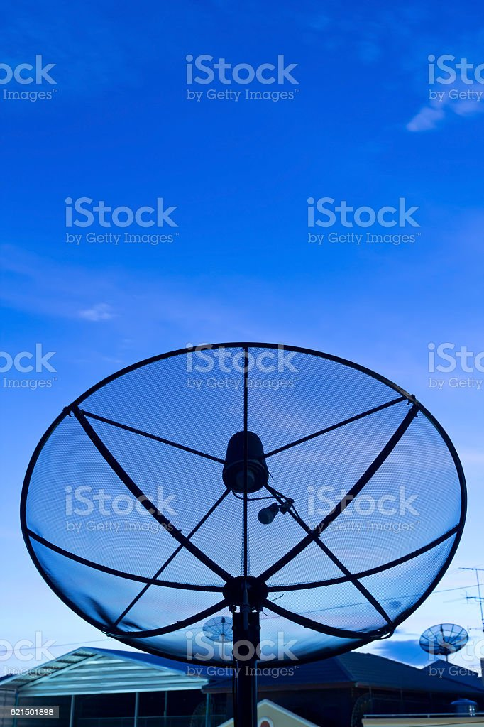 Black Satellitenschüssel  Lizenzfreies stock-foto