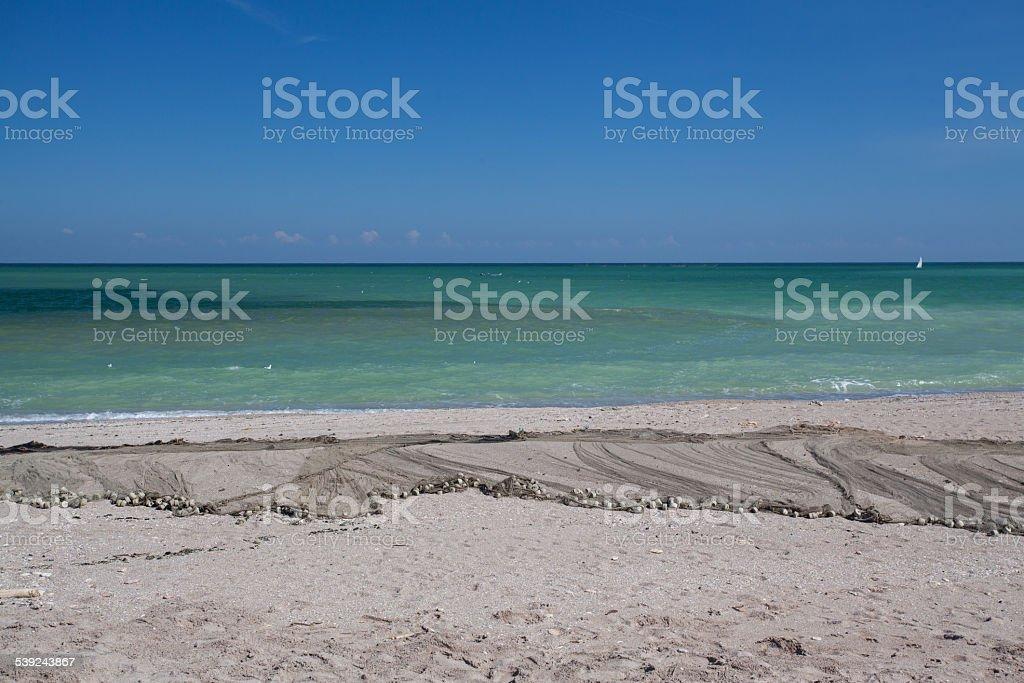 En septiembre la playa de mar negro foto de stock libre de derechos