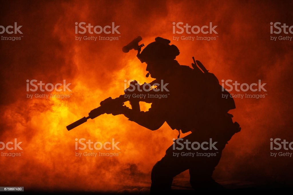 Black silhouette of soldiers - foto de acervo