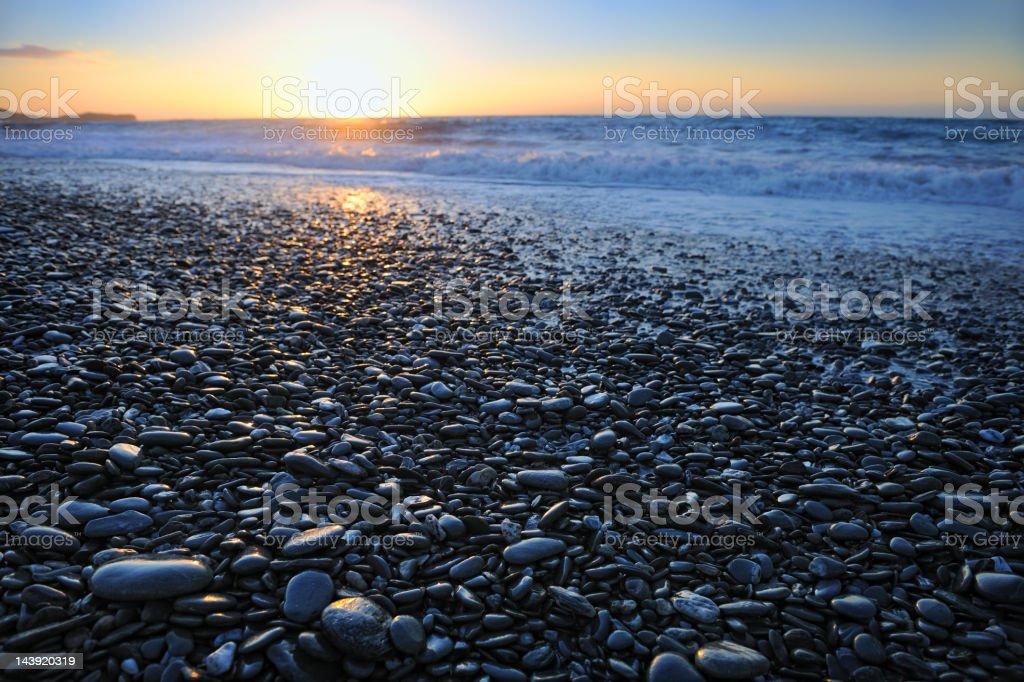 Schwarze Stein Strand Sonnenuntergang (XXXL – Foto
