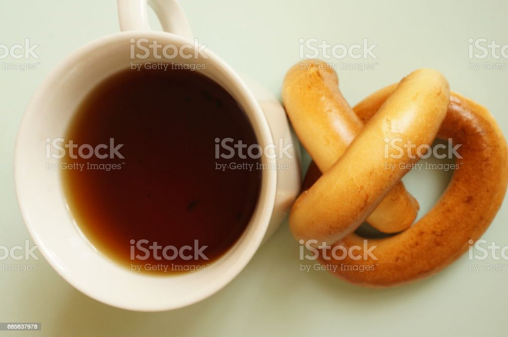 Black tea with bagels for breakfast royalty-free 스톡 사진