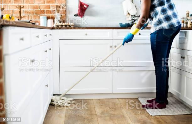 Black woman doing house chores picture id919439846?b=1&k=6&m=919439846&s=612x612&h=zl4fystgpr3ghs64hum83rjcicdjhscomihtovtegte=