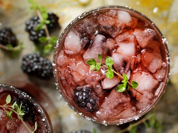 BlackBerry und Thymian cocktail – Foto