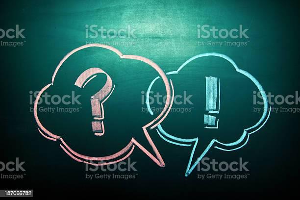 Schreibtafel Abstrakt Hintergrund Bild Stockfoto und mehr Bilder von Fragezeichen