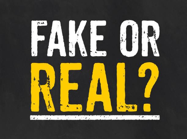 tafel mit dem text fake oder real - sprüche ehrlichkeit stock-fotos und bilder