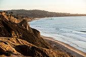istock Blacks Beach, San Diego at dusk 470731622