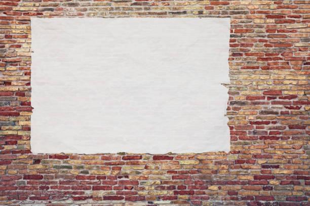 tom reklam affisch limmas mot tegelväggen - italy poster bildbanksfoton och bilder