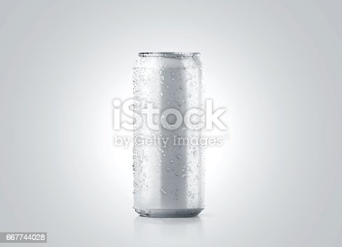 istock Blank big cold aluminium beer can mockup with drops, 500 ml 667744028