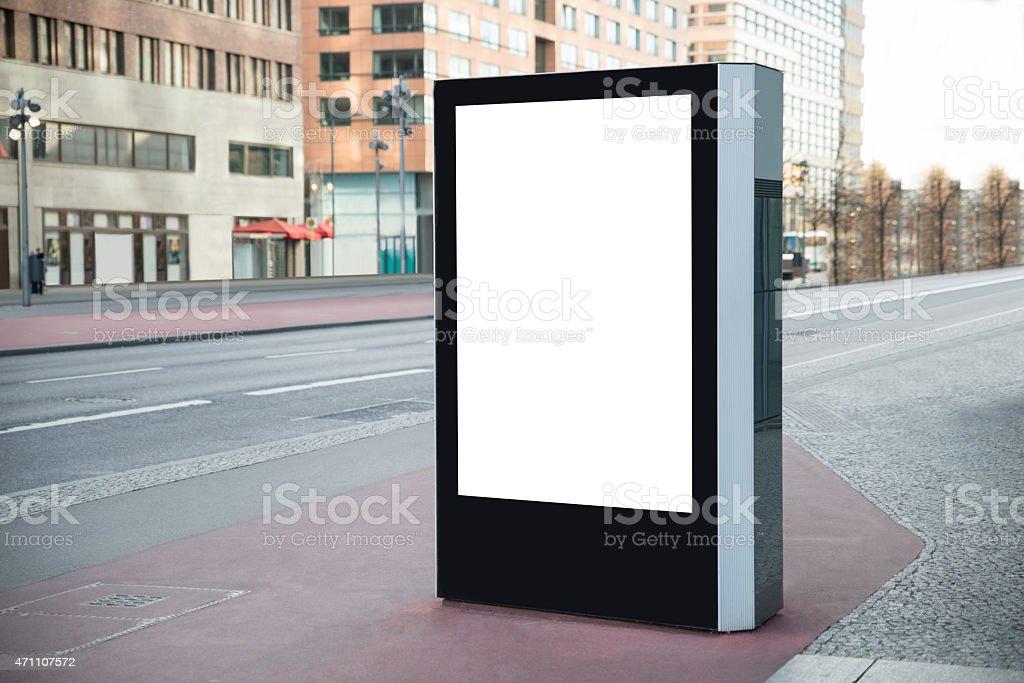 Panneau d'affichage vide dans la ville - Photo