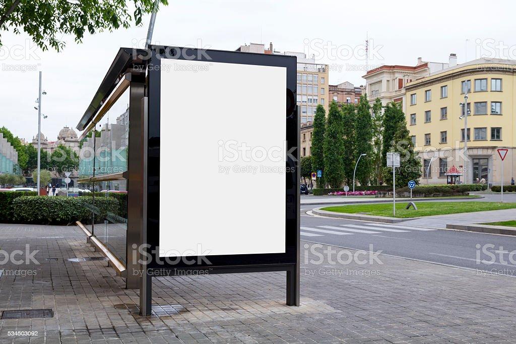 Panneau d'affichage vide dans la rue - Photo