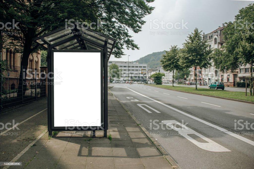 Panneau d'affichage vide sur l'arrêt de bus - Photo