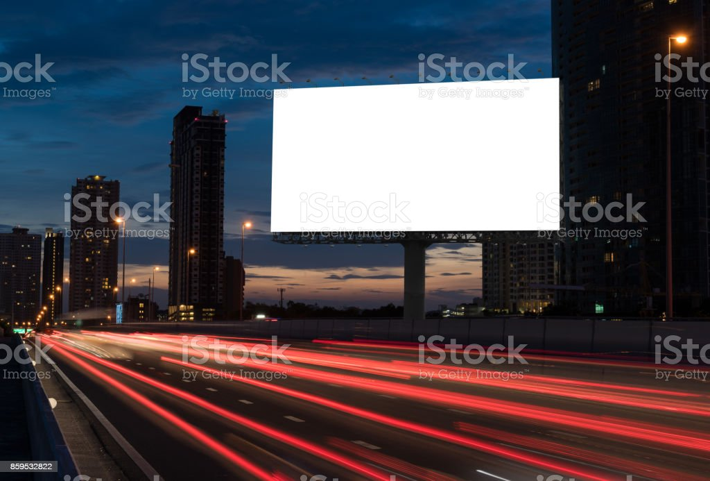 Leere Plakat auf der Autobahn – Foto