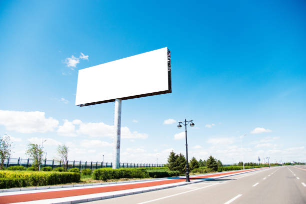 Blank billboard on the side of the road - foto stock