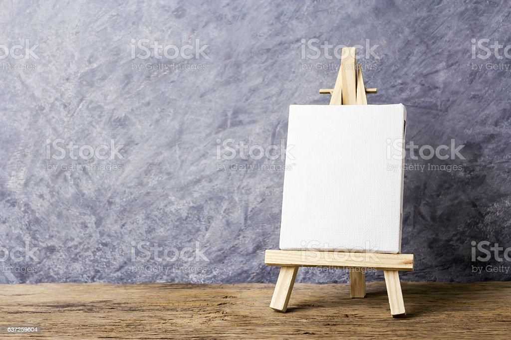 Blank Canvas Frame On Easel Painting Stock Photo & More Pictures of ...
