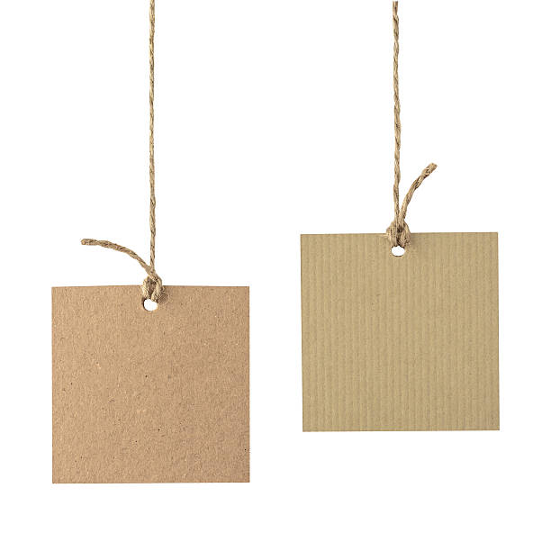 blank cardboard labels tied with rope isolated. - 라벨 뉴스 사진 이미지