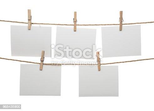 Blank Cards Hanging On Clothesline - Stockowe zdjęcia i więcej obrazów Artykuł biurowy