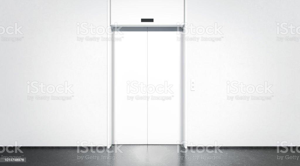 Leere geschlossene Aufzug mit Schaltfläche