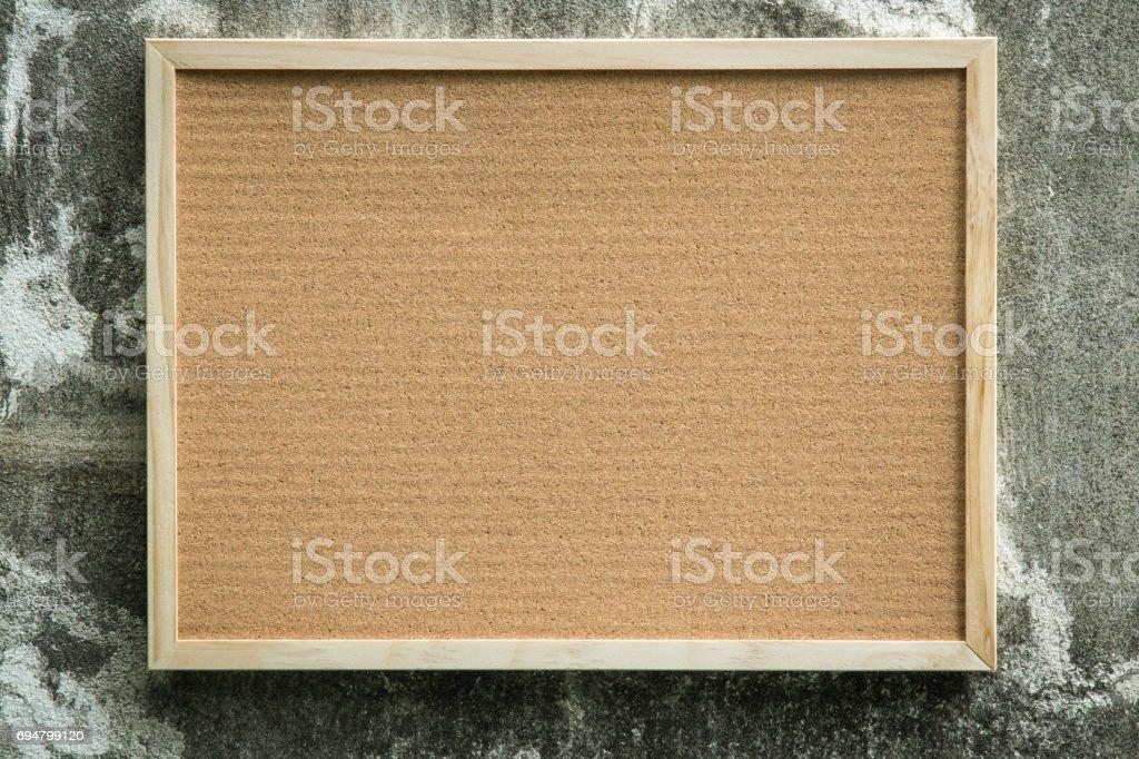 Leere Pinnwand Mit Holzrahmen Auf Wand Hintergrund Stock-Fotografie ...