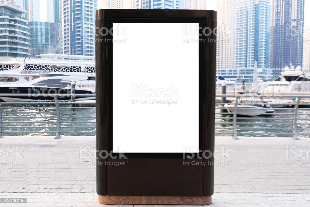 Boîte à lumière vide vide pour panneau d'information marketing signage affiche - Photo