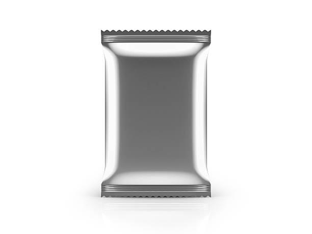 leere folie speisen tasche-vorderansicht auf weißem hintergrund - aluminiumkiste stock-fotos und bilder