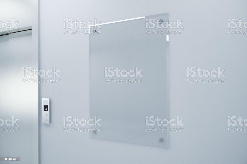 Leere Glas Billboard auf Betonwand – Foto