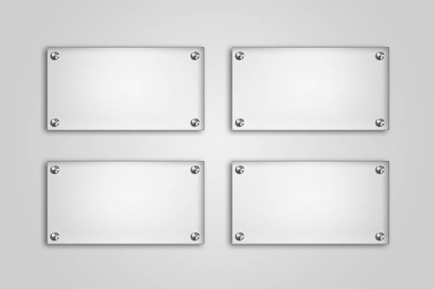 leere glas-teller auf weißem hintergrund - glasmalerei stock-fotos und bilder