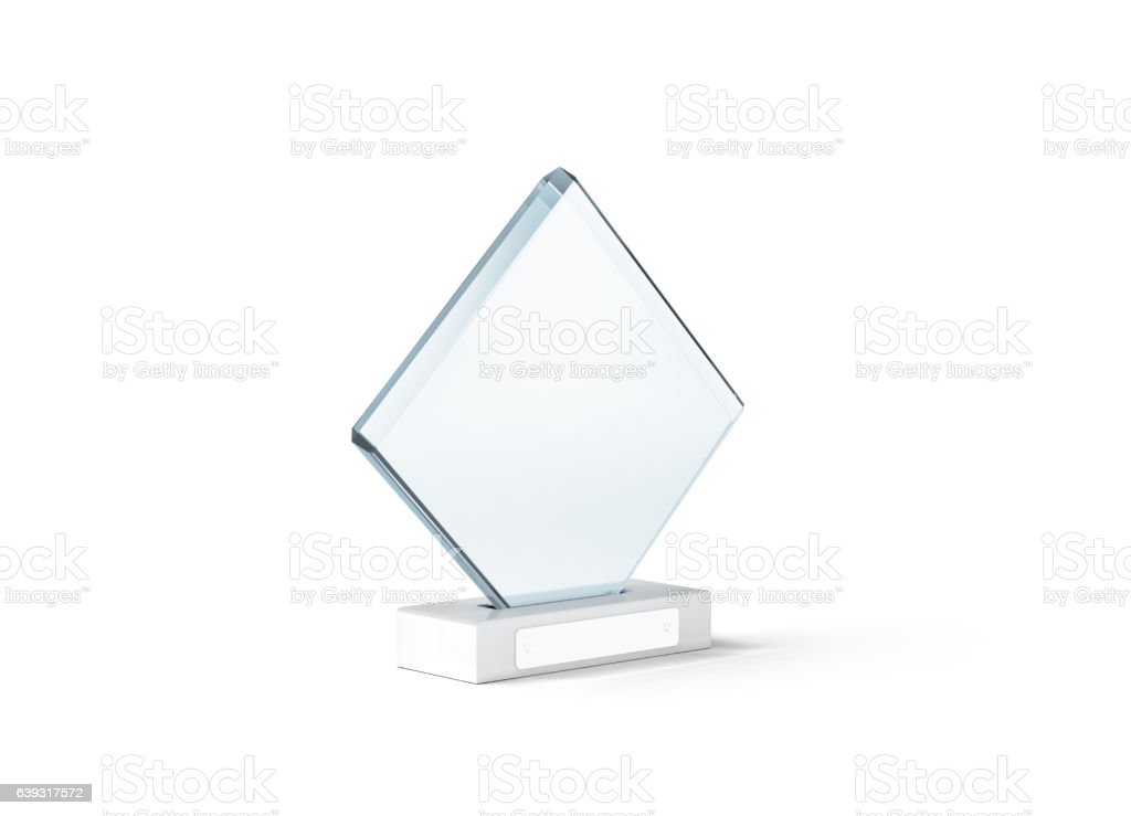 Blank glass trophy mockup stand on clear marble base, – Foto