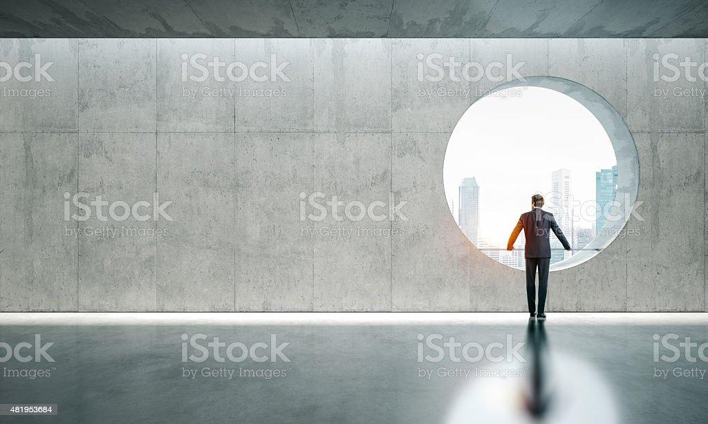Vide intérieur avec fenêtre et homme - Photo